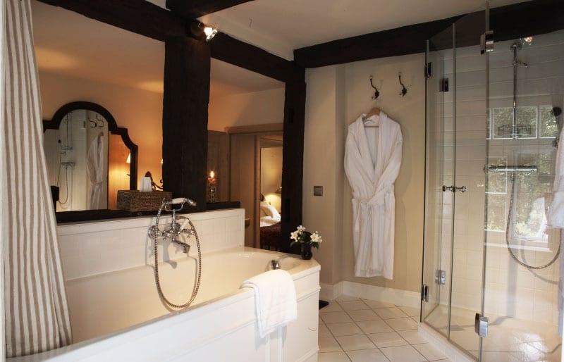 hotelzimmer in der alten sch ferei hotel schloss l dersburg. Black Bedroom Furniture Sets. Home Design Ideas